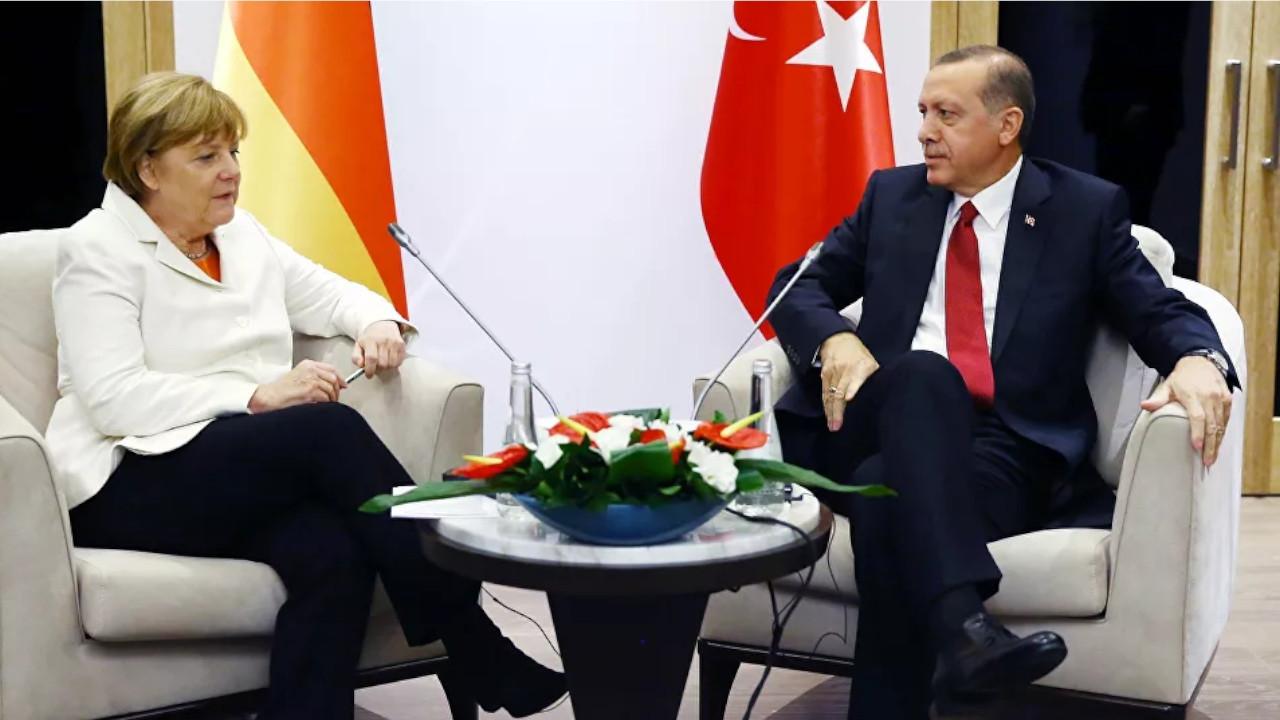 Merkel urges withdrawal of mercenaries from Libya in call with Erdoğan