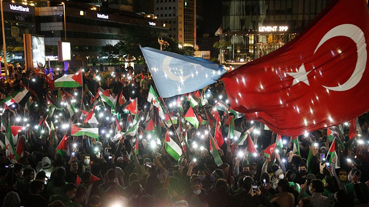 Hundreds protest Israel's attacks in front of Israeli Consulate