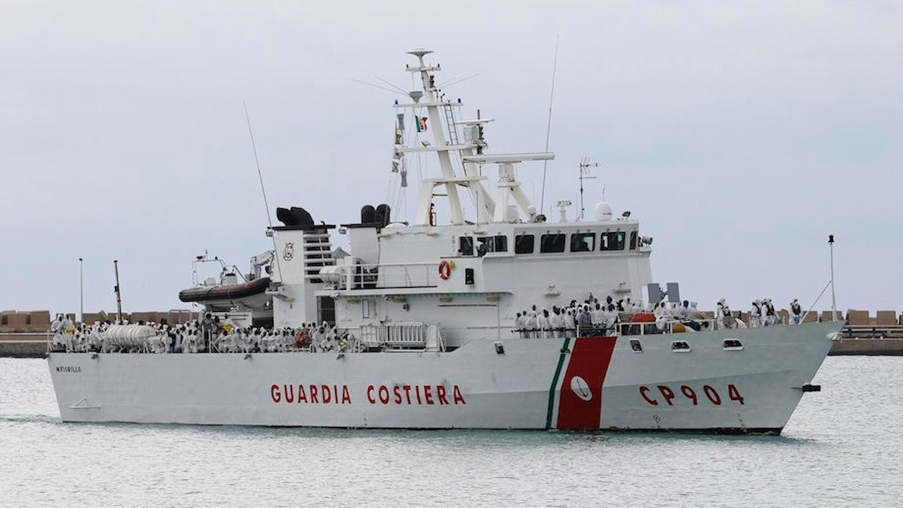 Turkish fishermen threw stones, smoke bombs at Italian vessels: Italy