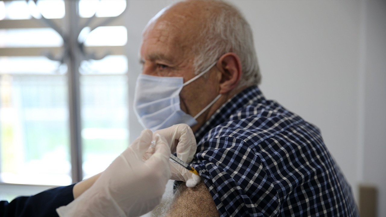 Turkey to 'administer second dose of BioNTech shot 12 weeks after first'