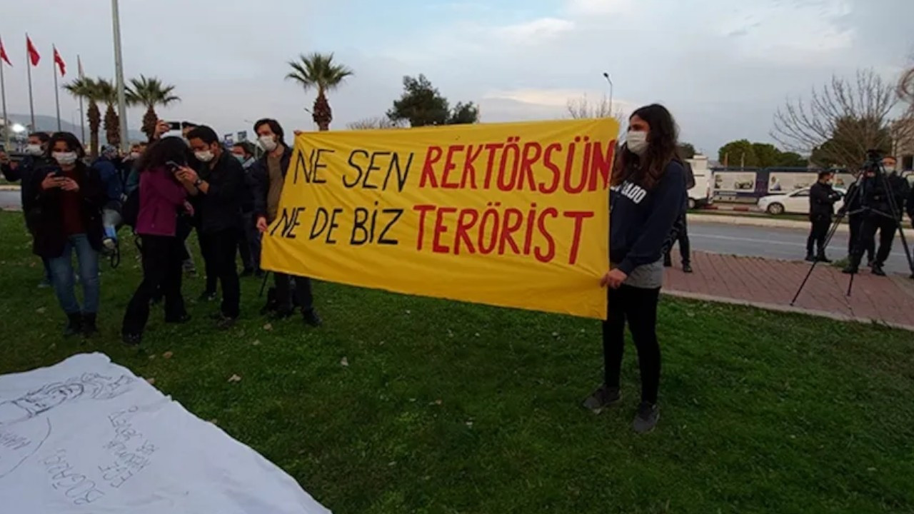 Boğaziçi protesters fined over 'social distancing'