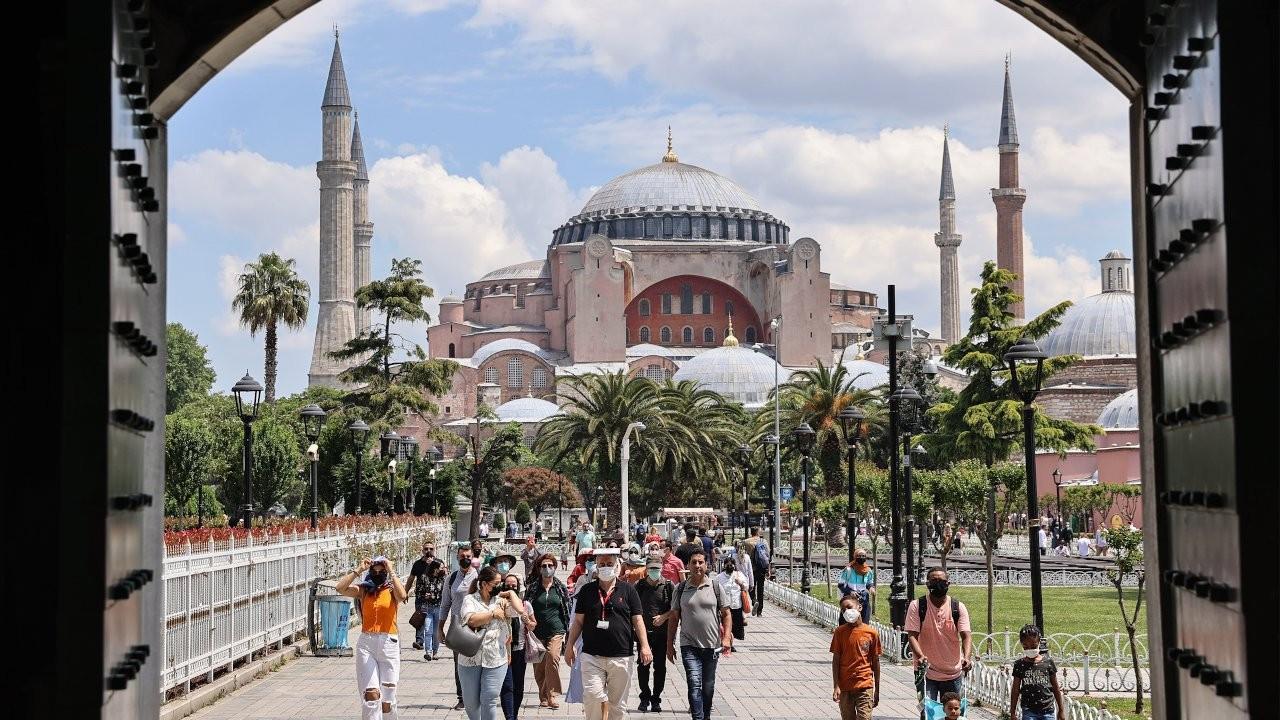 Russia extends flight ban to Turkey