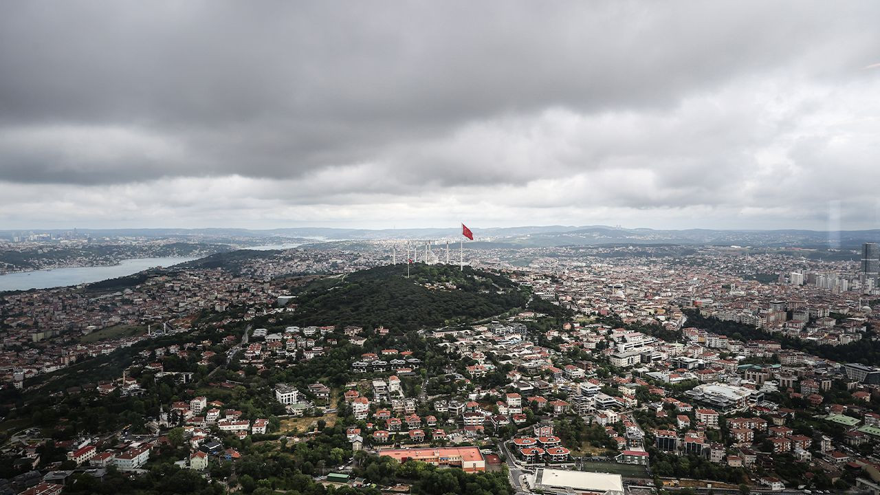 Widely disliked tower, dubbed 'symbol of Istanbul' by gov't, opens - Page 3