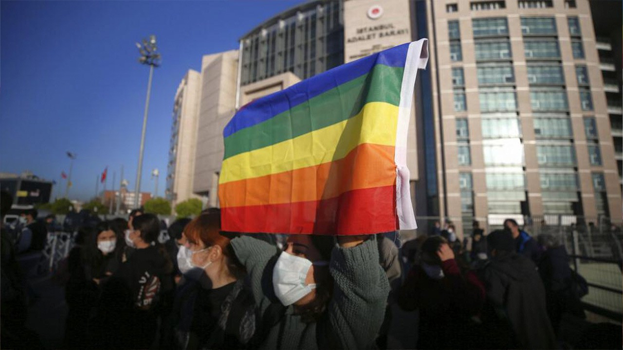 Boğaziçi students gather at courthouse: You can't try the rainbow!