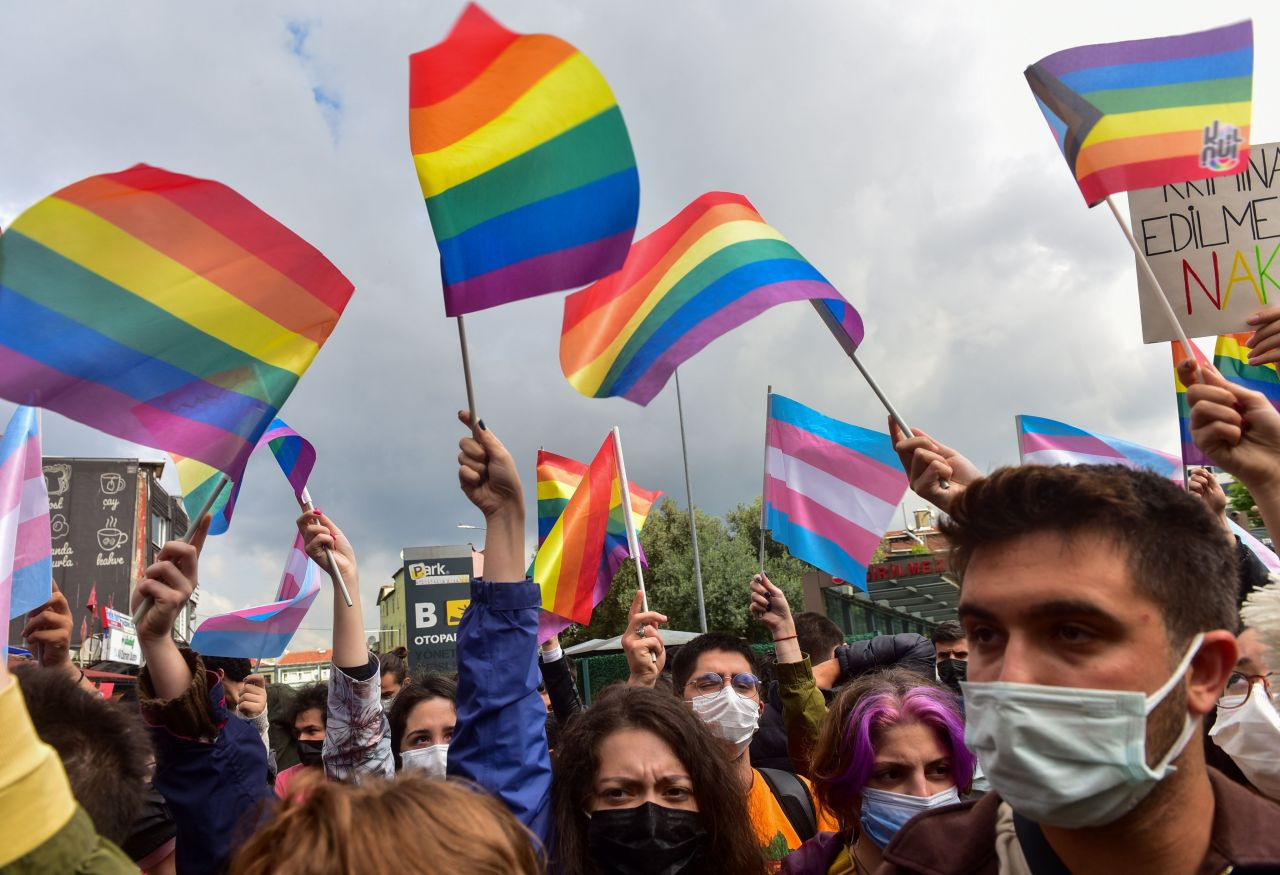Boğaziçi students gather at courthouse: You can't try the rainbow! - Page 3