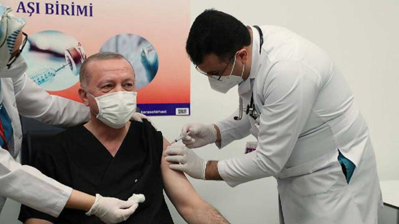 Erdoğan slammed for receiving 3 doses of COVID vaccine amid shortage