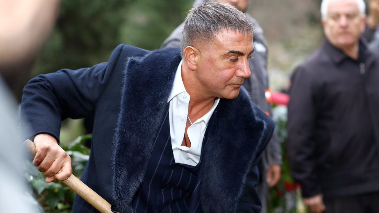 Probe launched into daily Cumhuriyet for reporting Peker's accusations