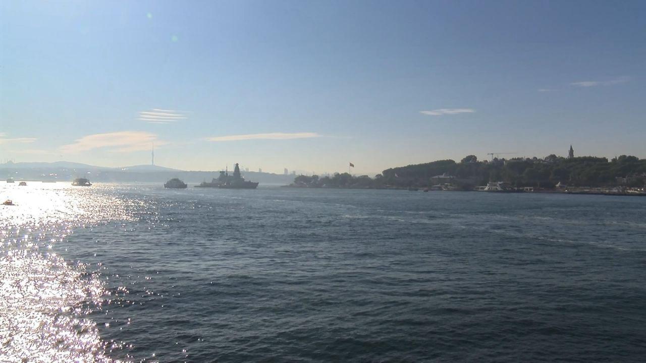 British warship docks at Istanbul - Page 3