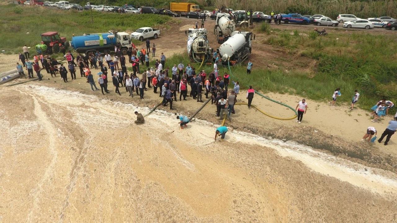 Turkish authorities' solution to 'sea snot' plague: Sewage trucks
