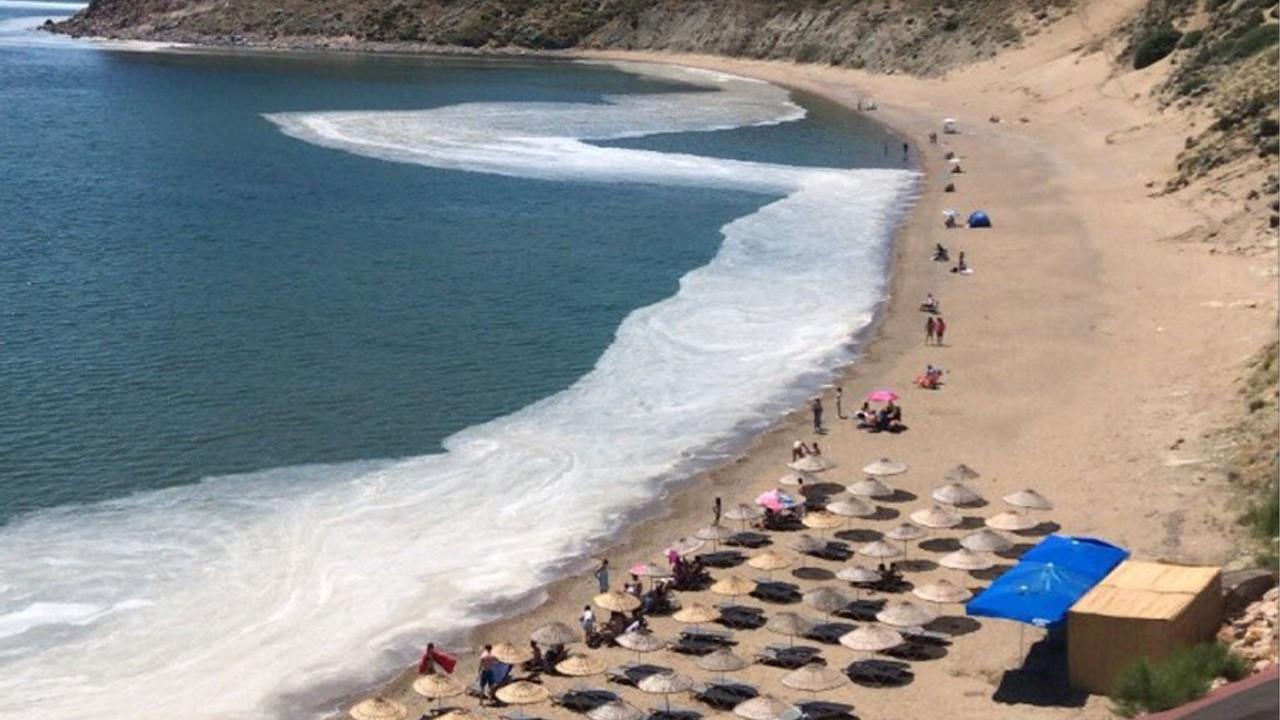 Marine mucilage plaguing Marmara Sea getting closer to Aegean beaches