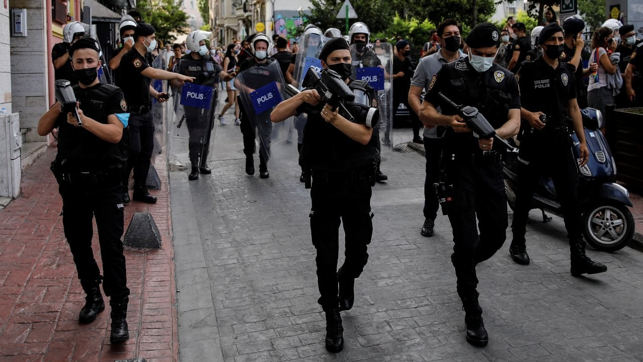Turkish police brutally disperse Pride march in Istanbul