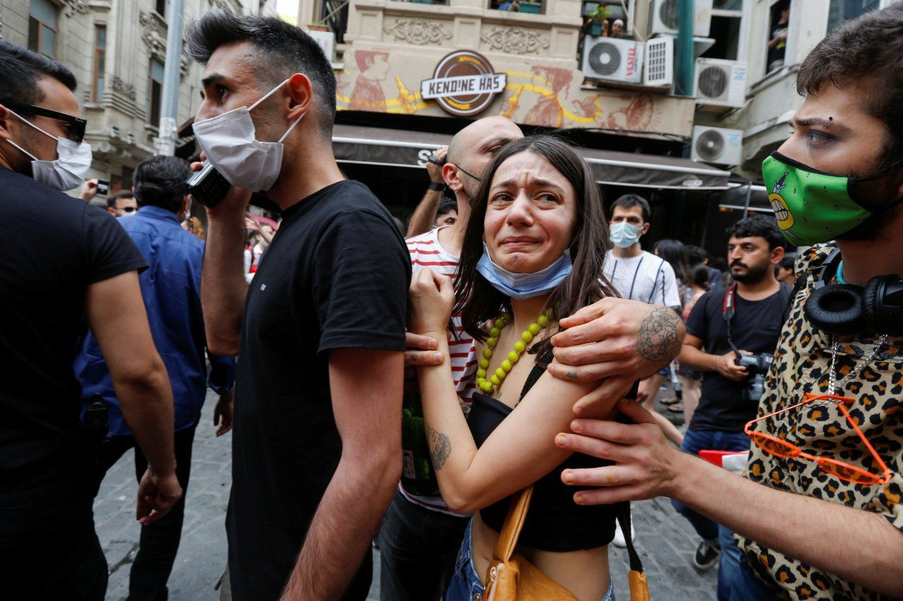 Turkish police brutally disperse Pride march in Istanbul - Page 3
