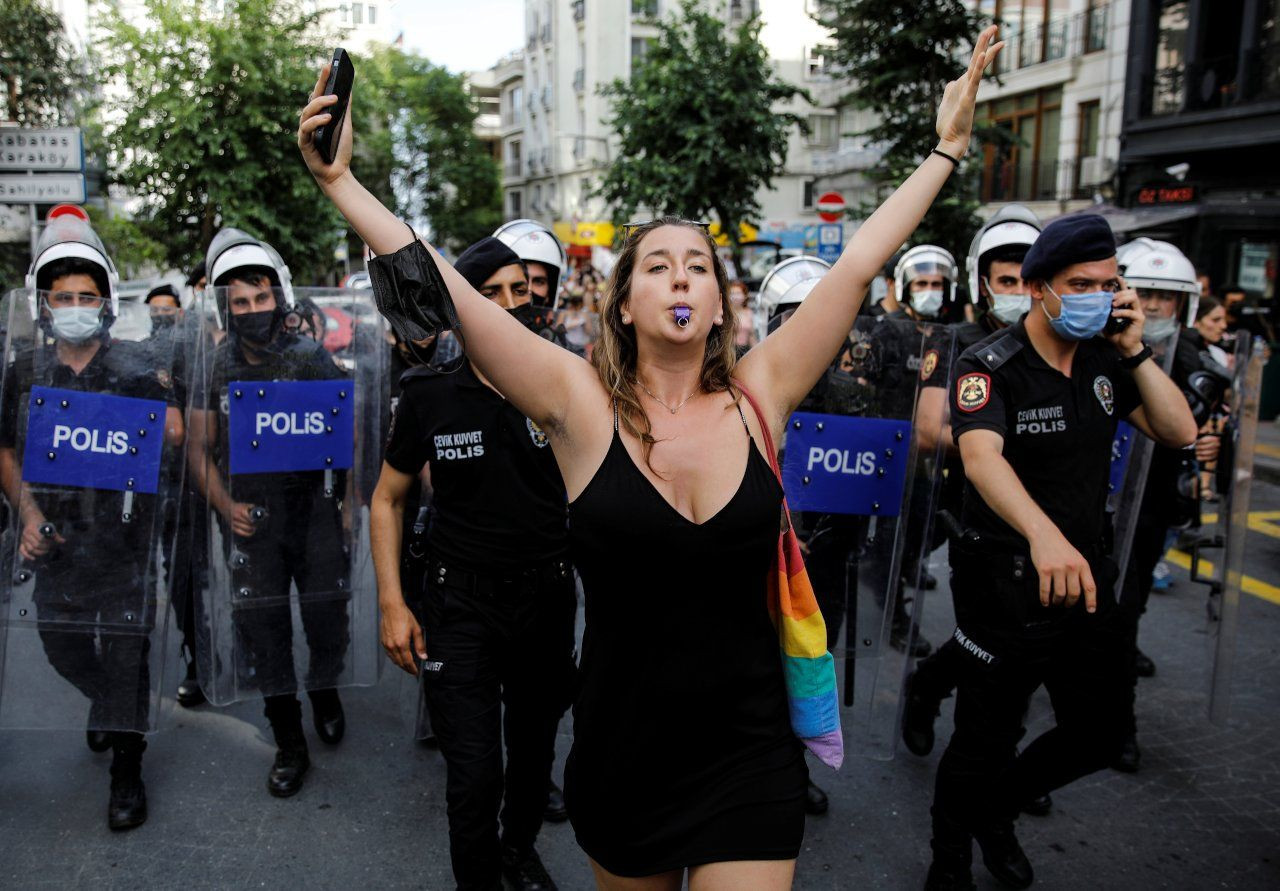Turkish police brutally disperse Pride march in Istanbul - Page 2
