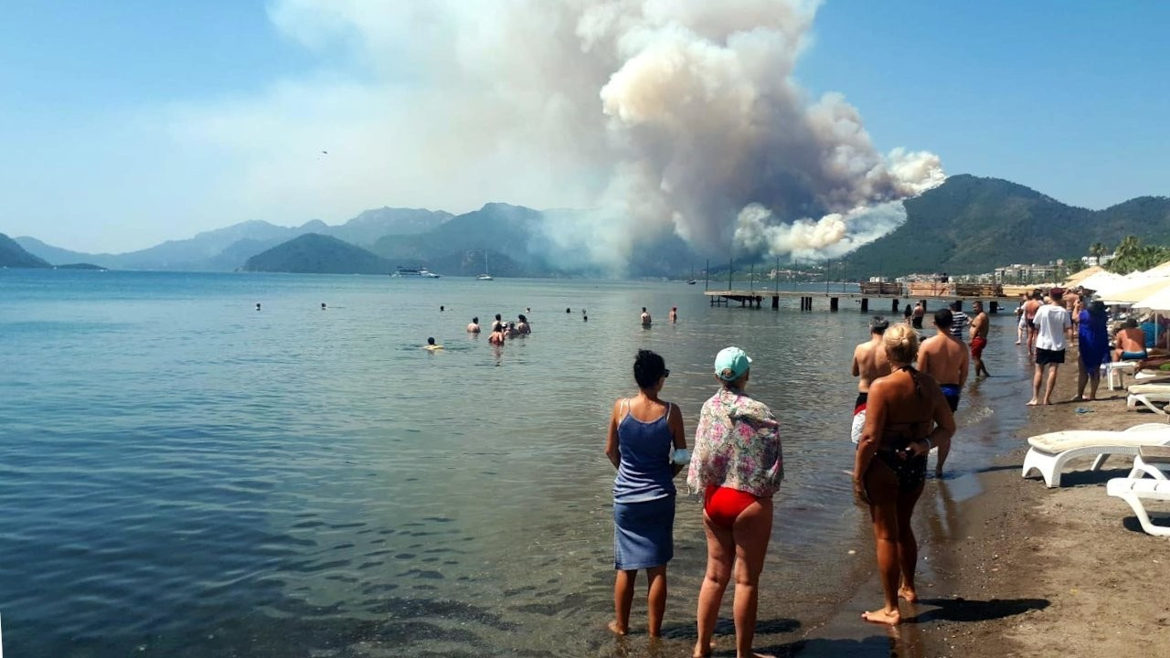 Forest fire erupts in Turkey's touristic Marmaris district