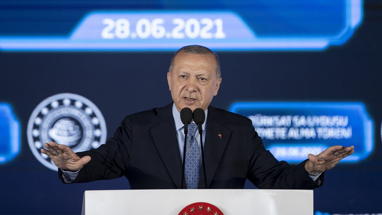 Erdoğan launches 'operation of truth' against 'fake news'