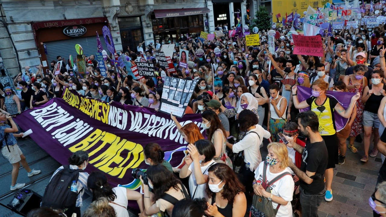 Turkish women protest Erdoğan's withdrawal from Istanbul Convention