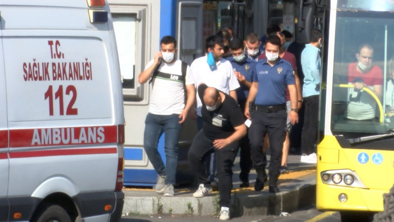 25 injured in metrobus collision in Istanbul during rush hour - Page 4