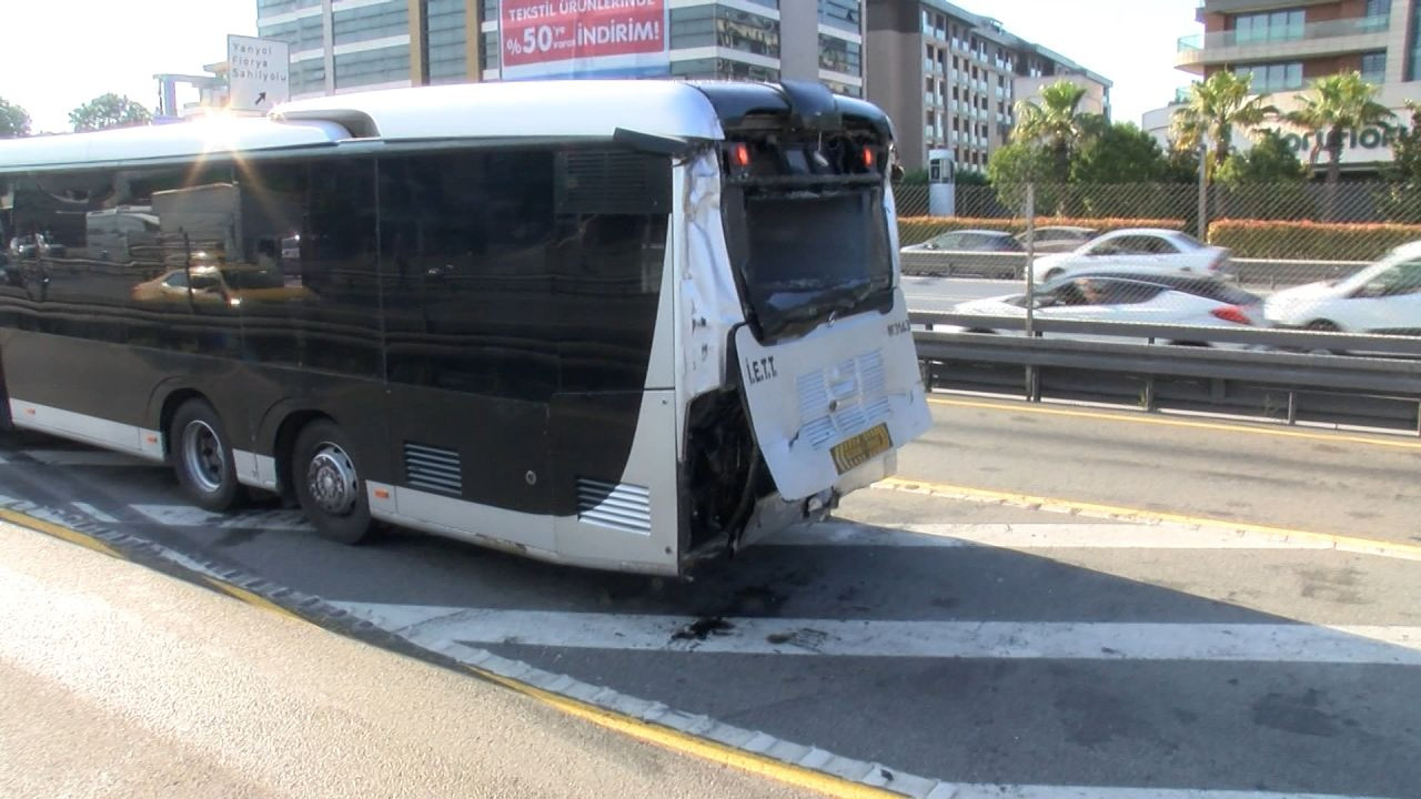 25 injured in metrobus collision in Istanbul during rush hour - Page 3
