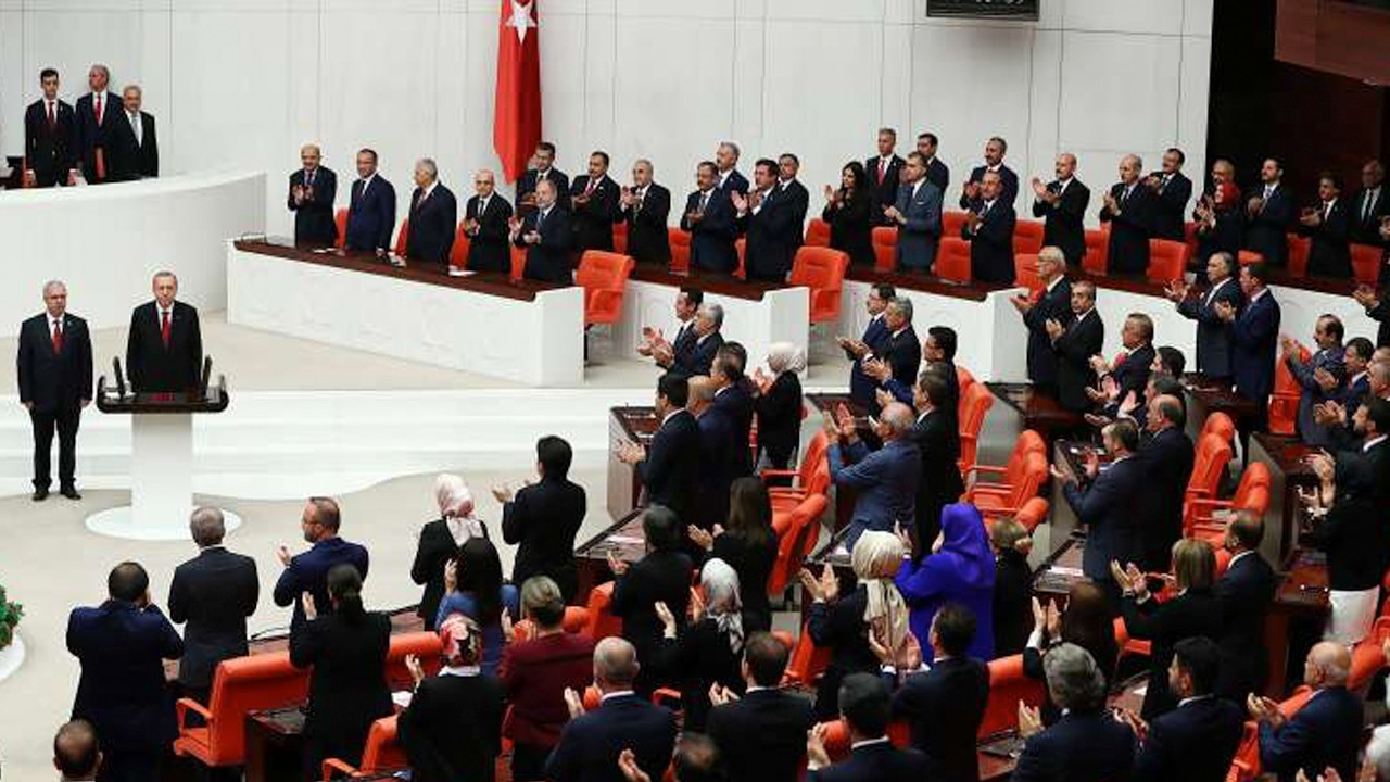 Ministers fail to answer 16,000 parliamentary inquiries in three years