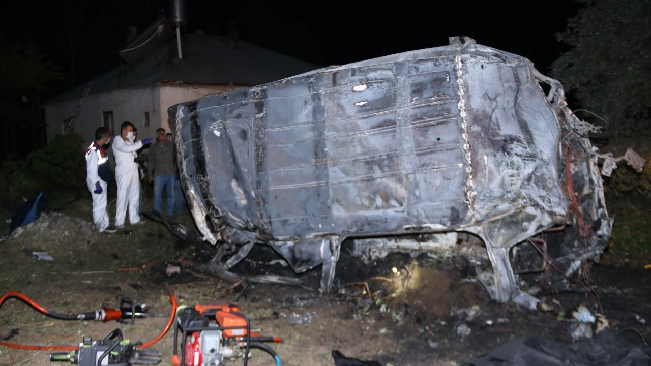 Bus carrying refugees crashes in Turkey's Van, at least 12 killed