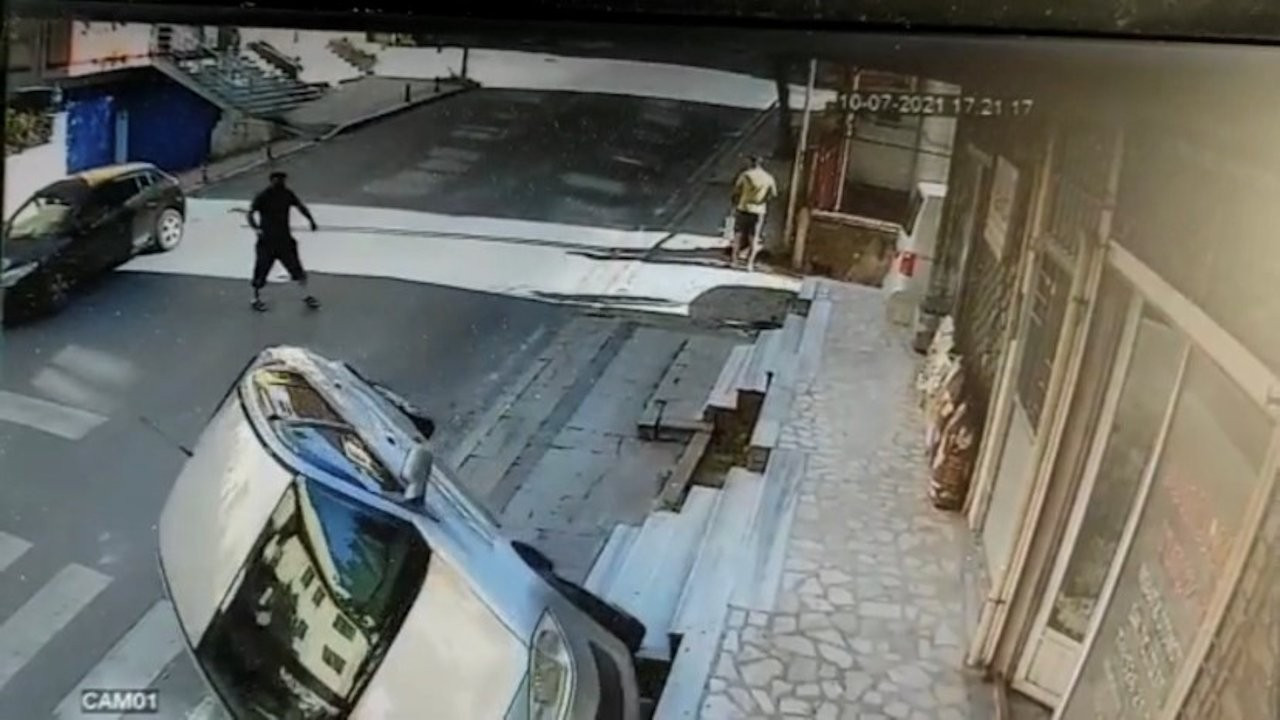 Vehicle without a driver strangely rolls over on its own in Istanbul