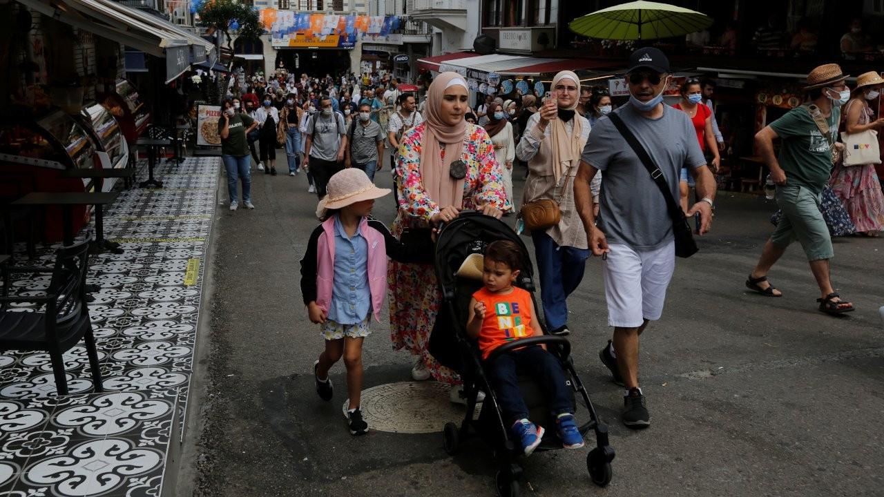Lured by cheap lira, curb-free travel, Arab tourists turn to Turkey