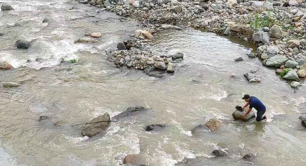 $15,000 go missing as vehicle topples into river in Turkey's Trabzon - Page 4