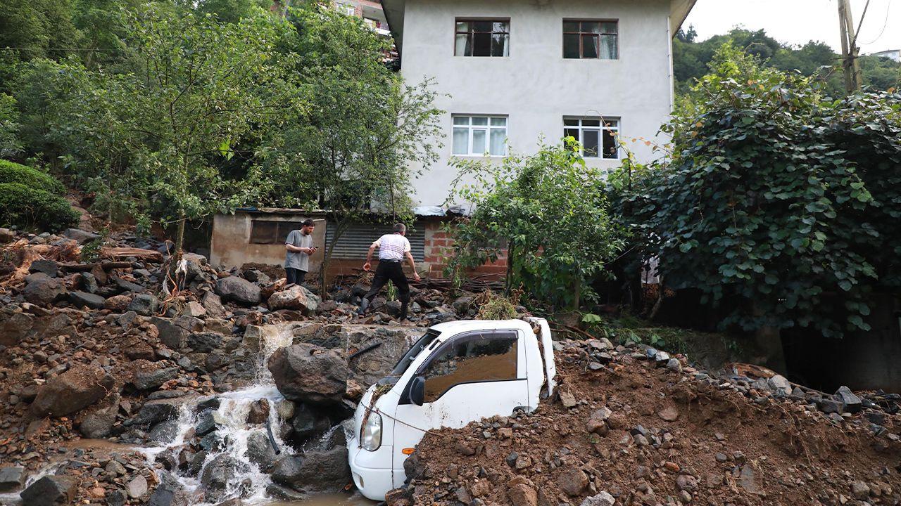 Flooding, landslides kill seven in Turkey's Rize - Page 1