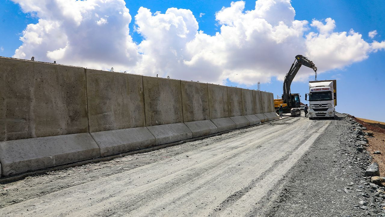 Turkey building 63-km monstrous wall along Iranian border to stop migration - Page 2
