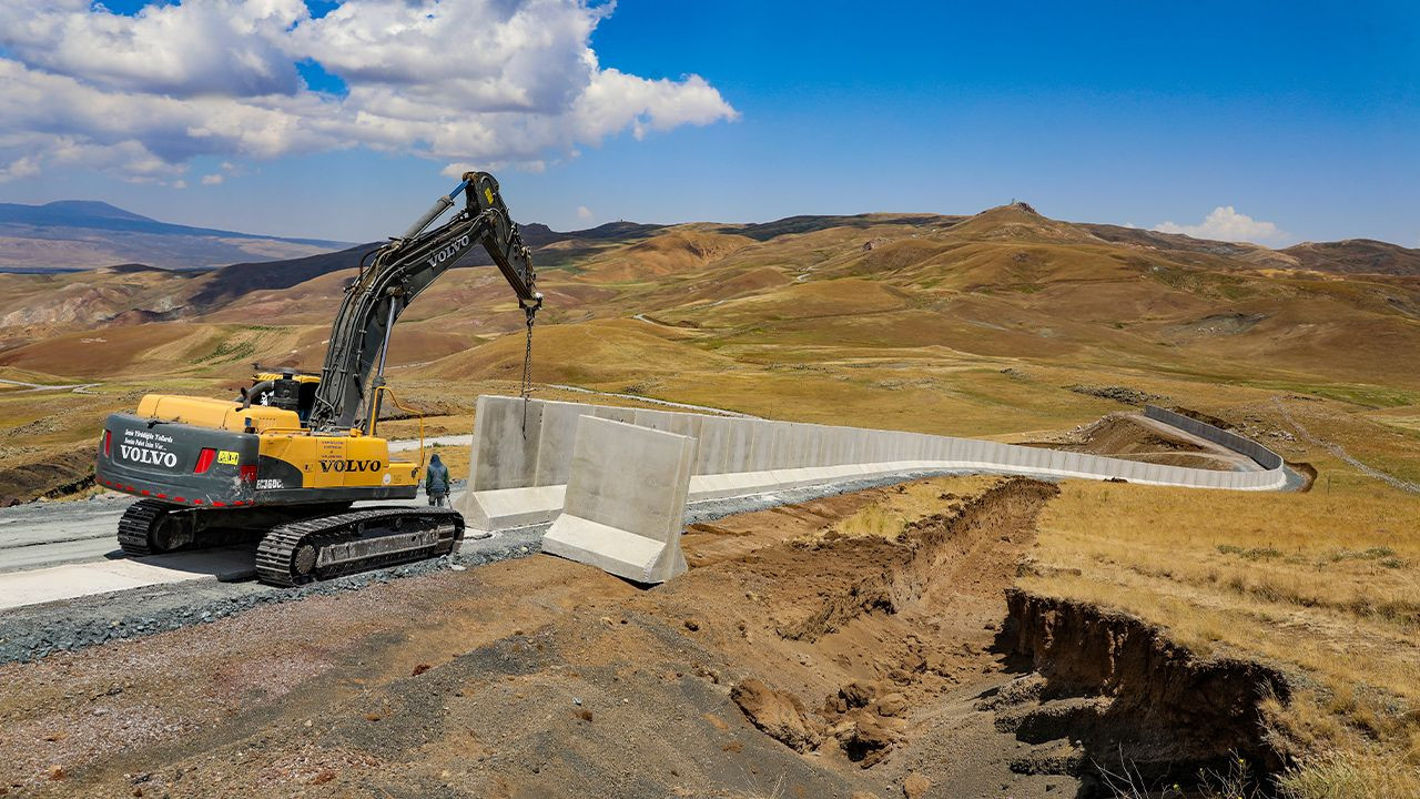 Turkey building 63-km monstrous wall along Iranian border to stop migration - Page 4