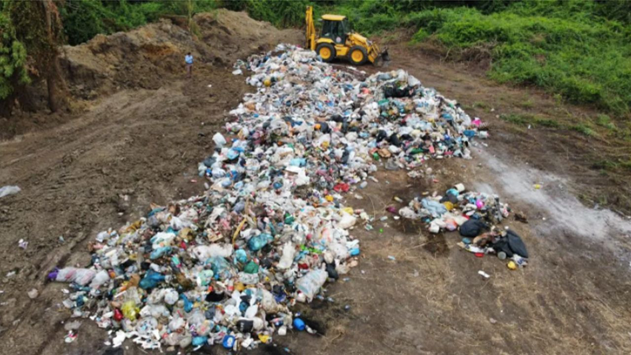 AKP municipality caught burying trash in pasture land in northern Turkey - Page 4