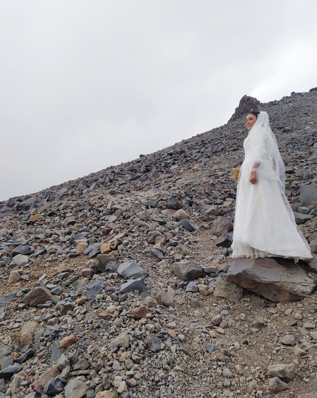 Turkish climber 'marries' Mount Ararat to protest violence against women - Page 4