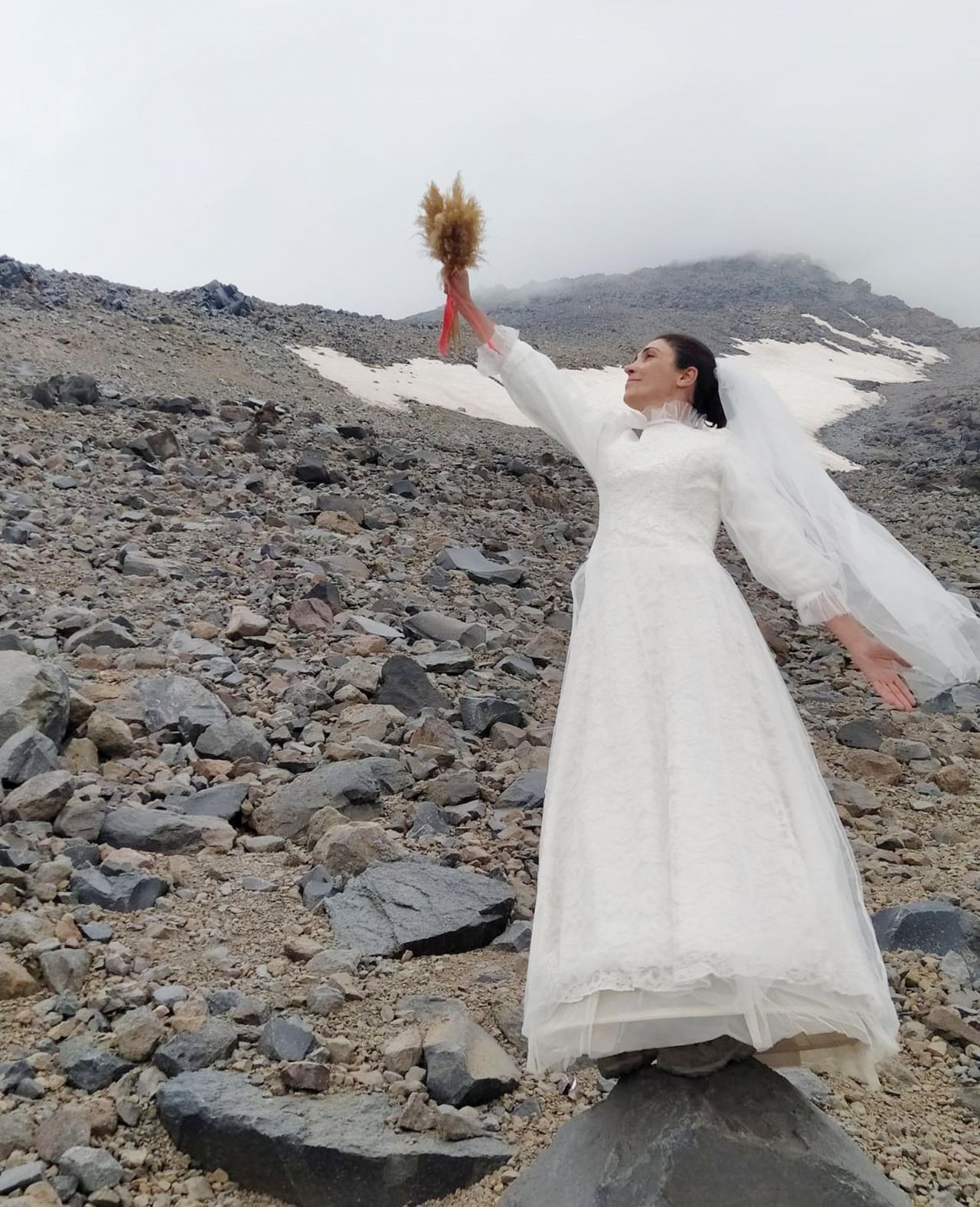 Turkish climber 'marries' Mount Ararat to protest violence against women - Page 3