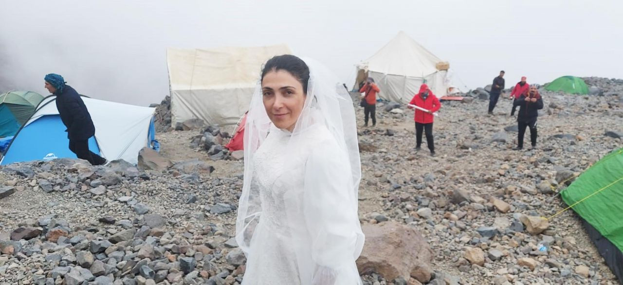 Turkish climber 'marries' Mount Ararat to protest violence against women - Page 1