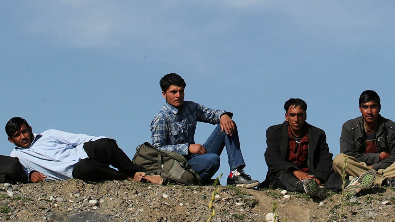Human traffickers 'charge $1,000 to bring Afghan migrants into Turkey'