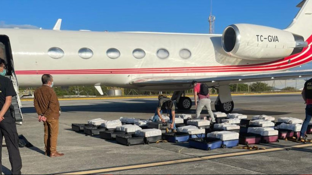 Brazil seizes 1.3 tons of cocaine on Turkish-owned jet rented by Spanish passenger