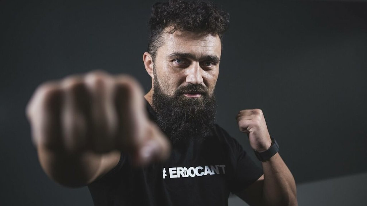Turkish boxer critical of Erdoğan says he was attacked by a mob