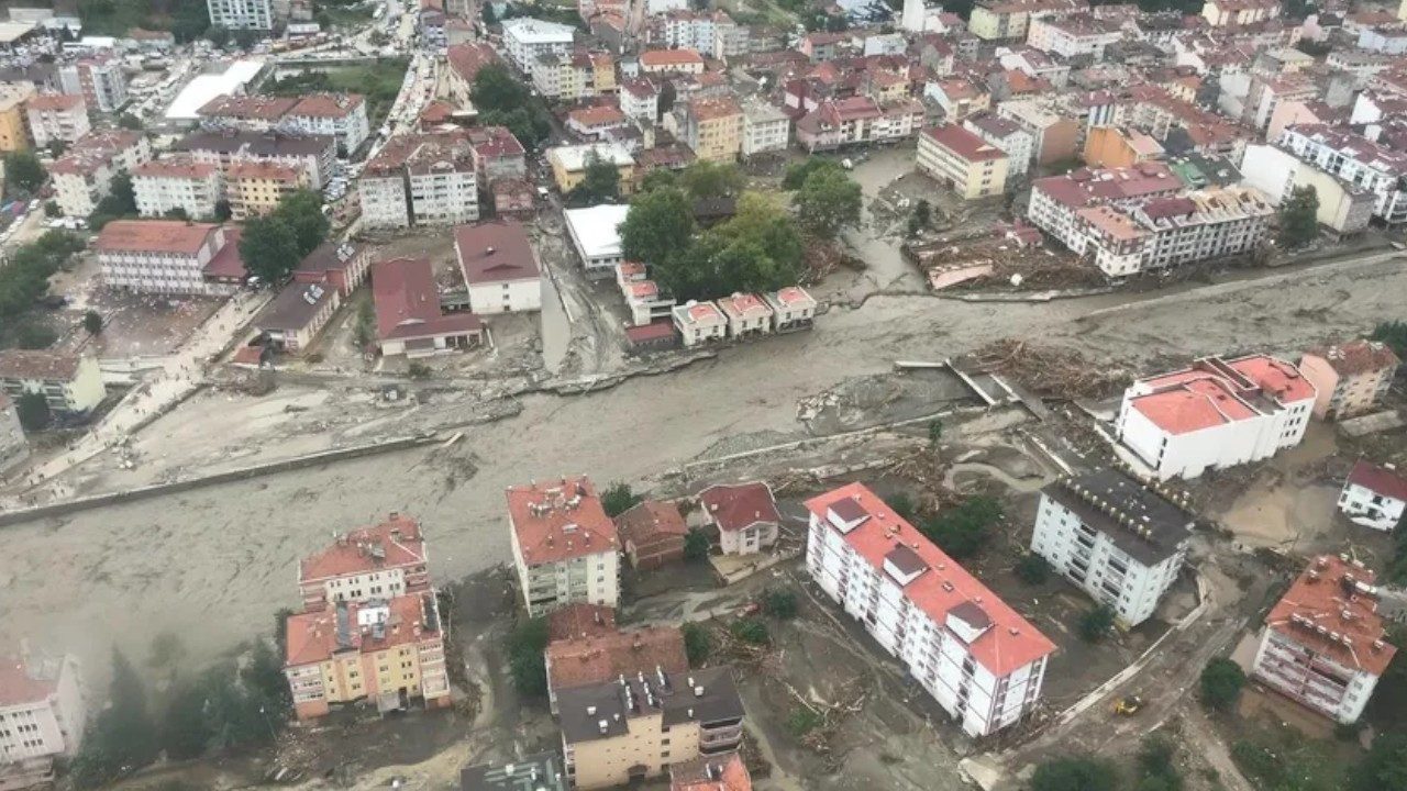 Turkish gov't embarks on fundraising campaign for victims of floods, wildfires
