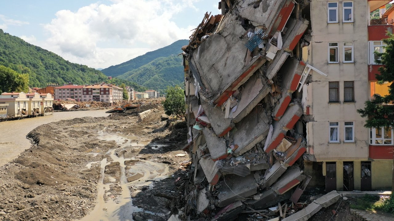 Death toll from devastating floods in Turkey's north rises to 77