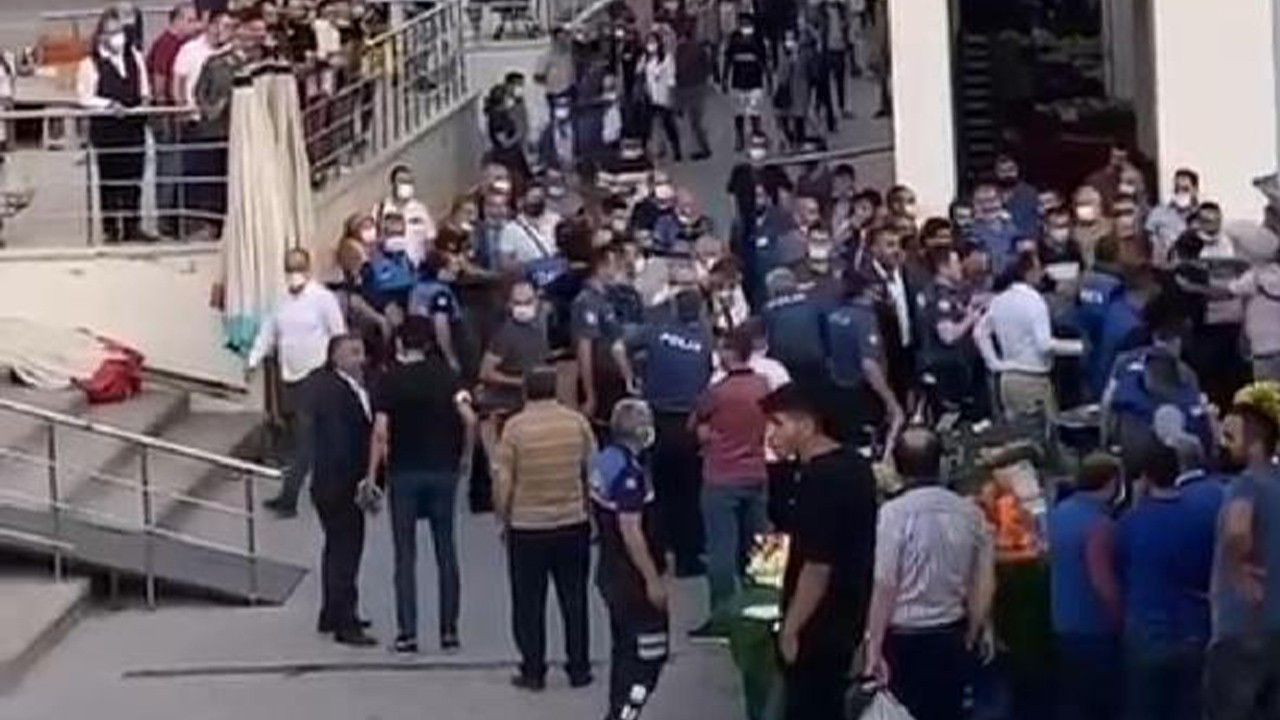 4 injured, 13 detained in fight over peaches in Ankara market