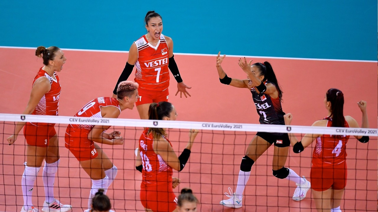 Turkish women's team finishes group stage as leader in EuroVolley