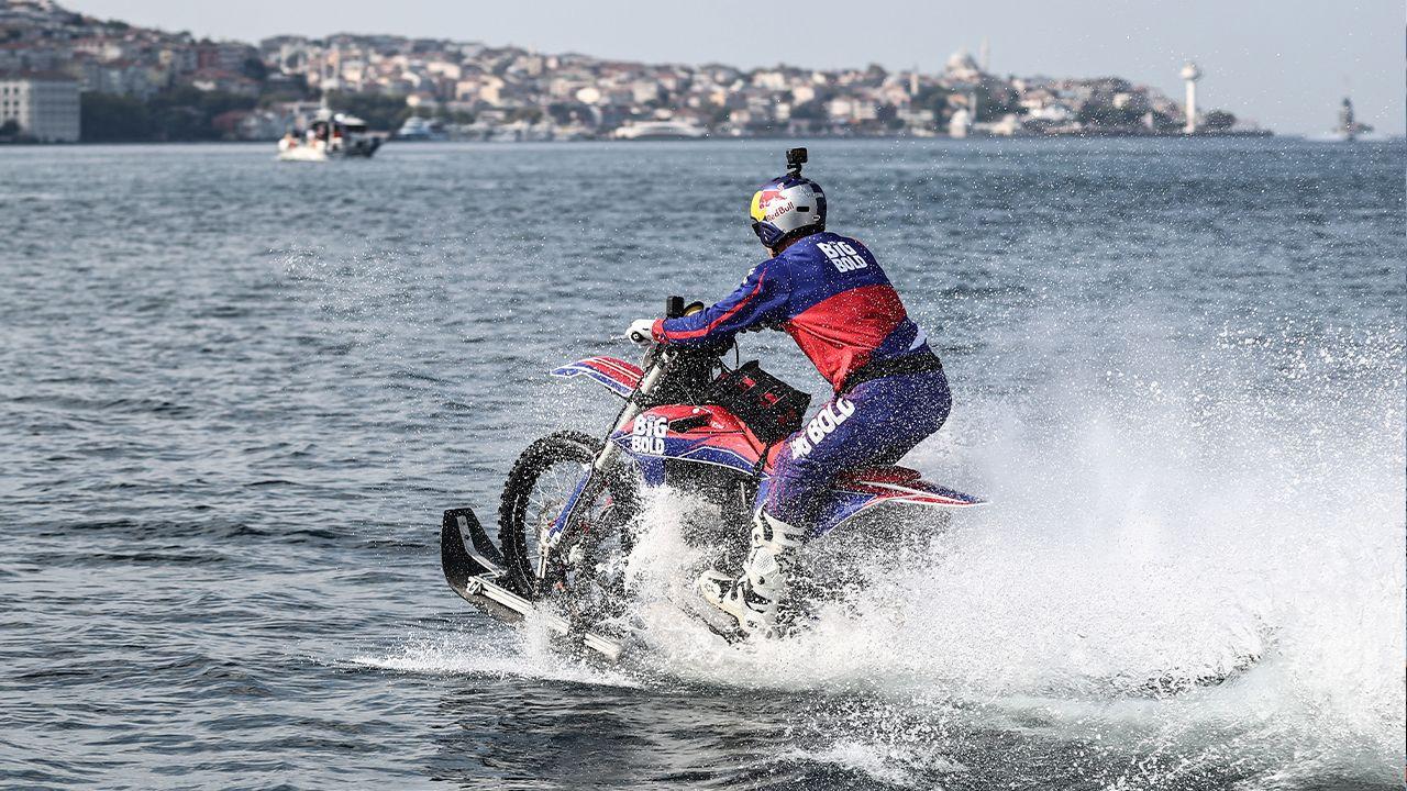 World-famous motocross rider crosses Bosphorus on modified bike - Page 1