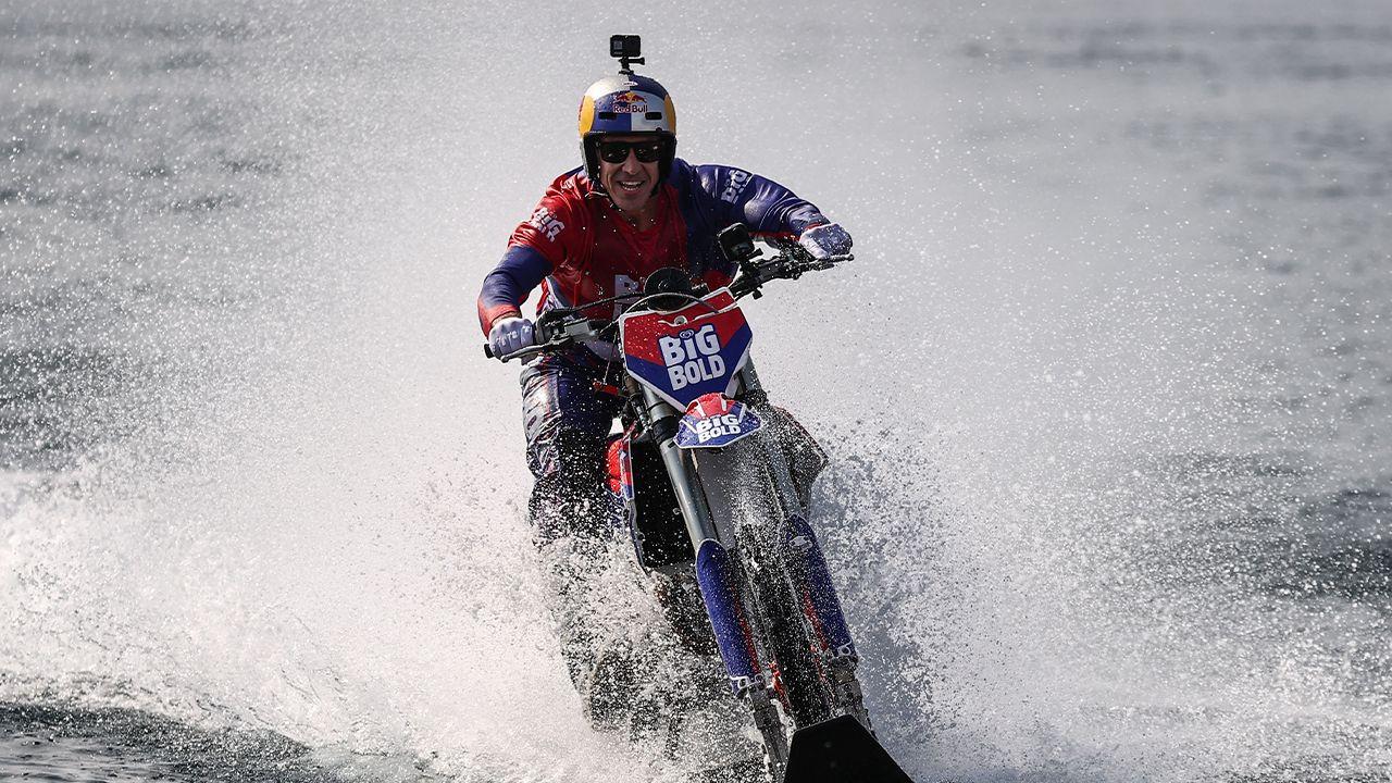 World-famous motocross rider crosses Bosphorus on modified bike - Page 3