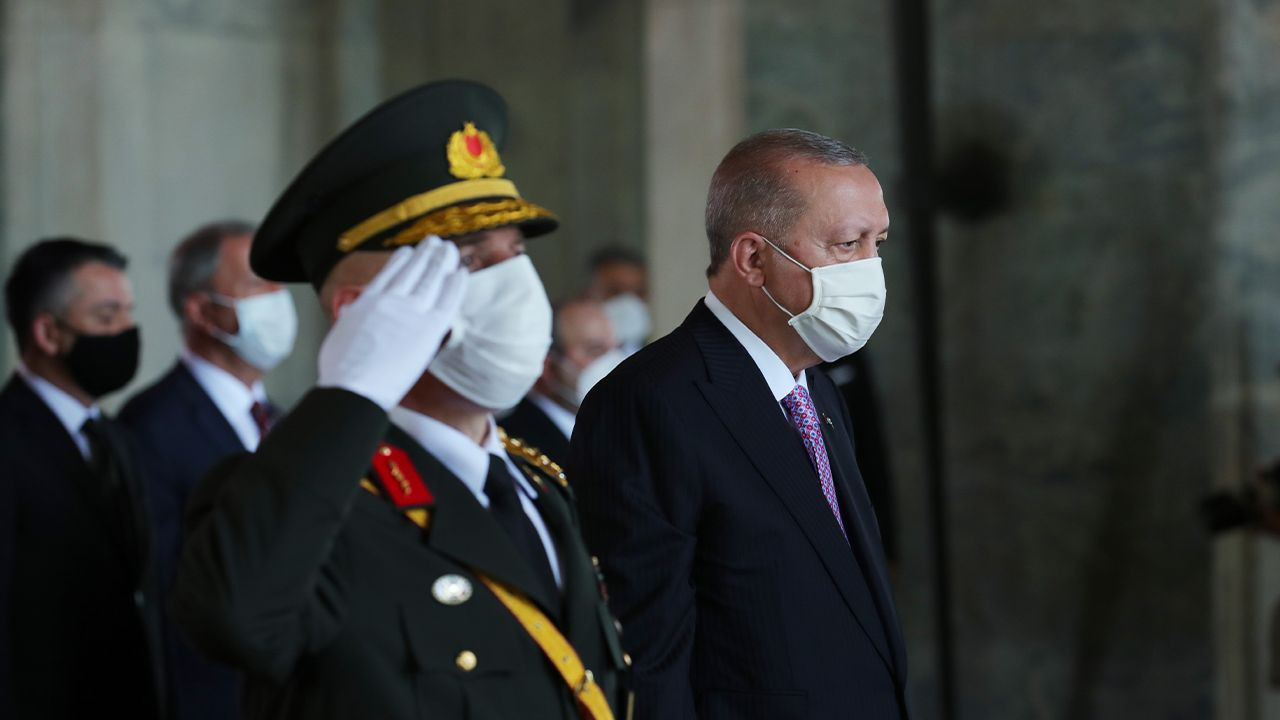 Turkey marks 99th anniversary of Victory Day - Page 3