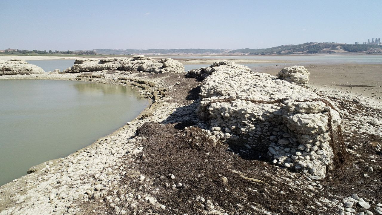 Ancient city comes to surface as dam water level drops in southern Turkey - Page 3