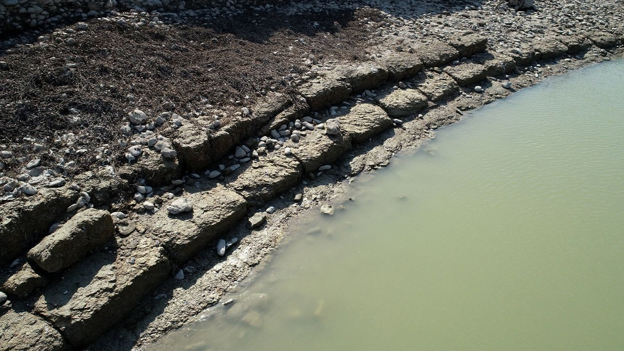 Ancient city comes to surface as dam water level drops in southern Turkey - Page 4