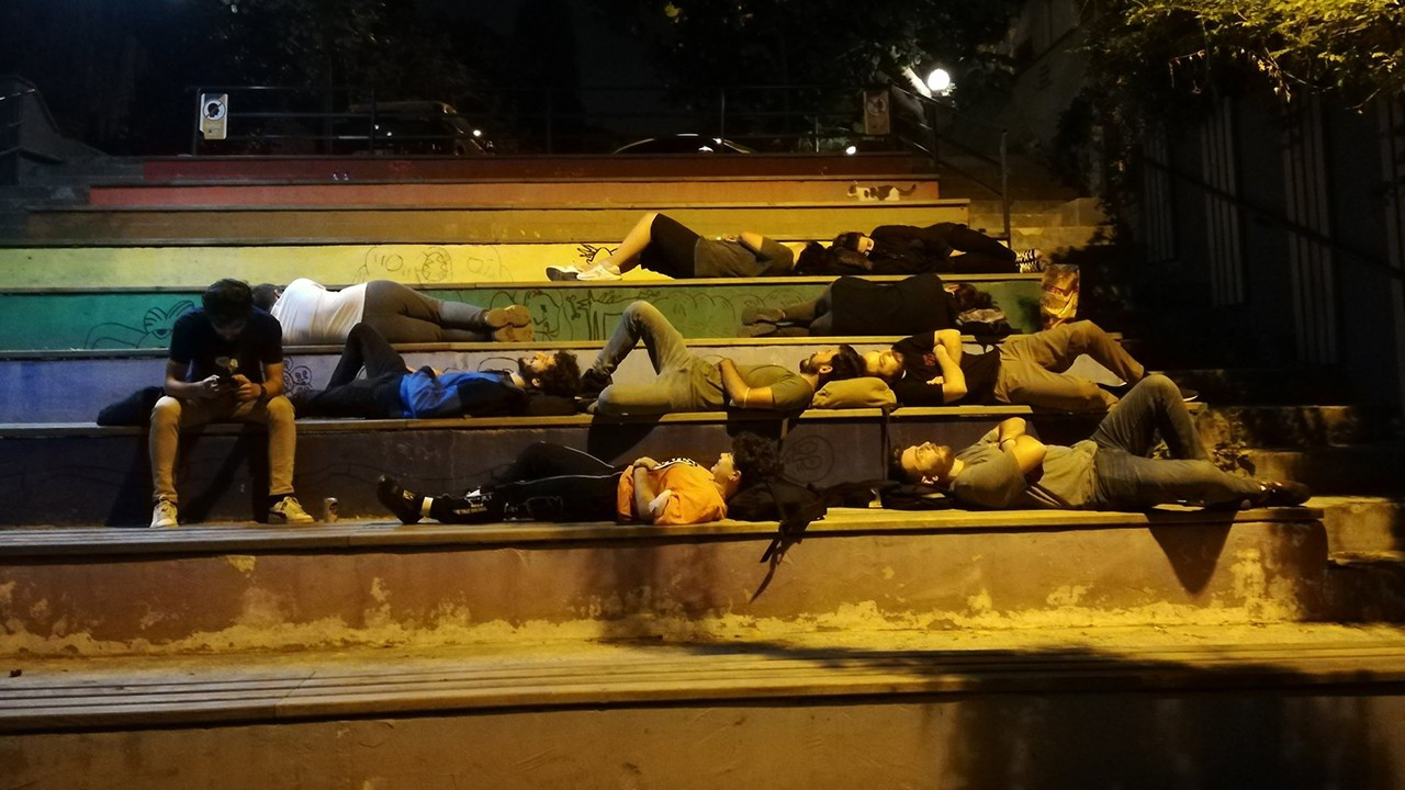 Students sleep on Istanbul streets to protest astronomical rent prices