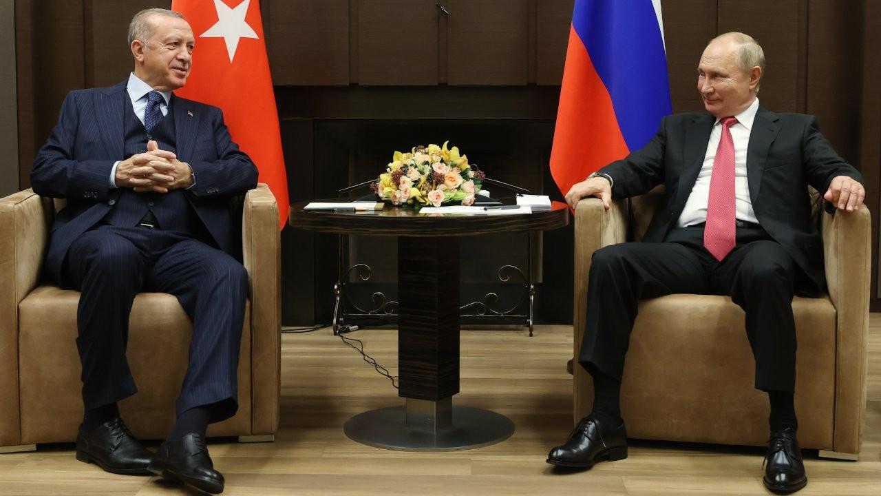Russia's Putin and Turkey's Erdoğan hold Syria, defense talks