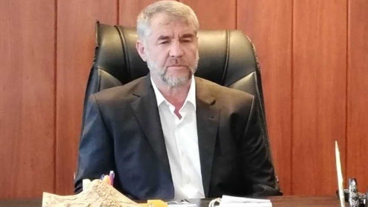 AKP mayor defends nepotism: People do way worse, what's 5 people?