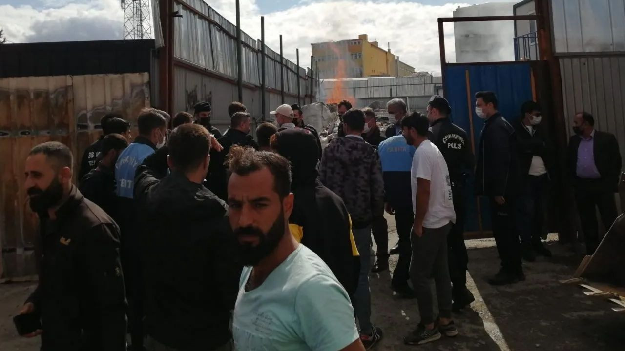 Two waste collectors detained in police raid to Istanbul warehouse - Page 3